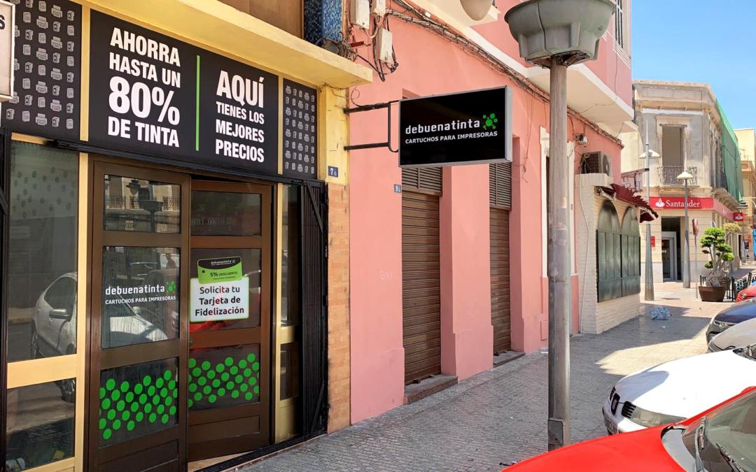 Melilla ya cuenta con una tienda Debuenatinta